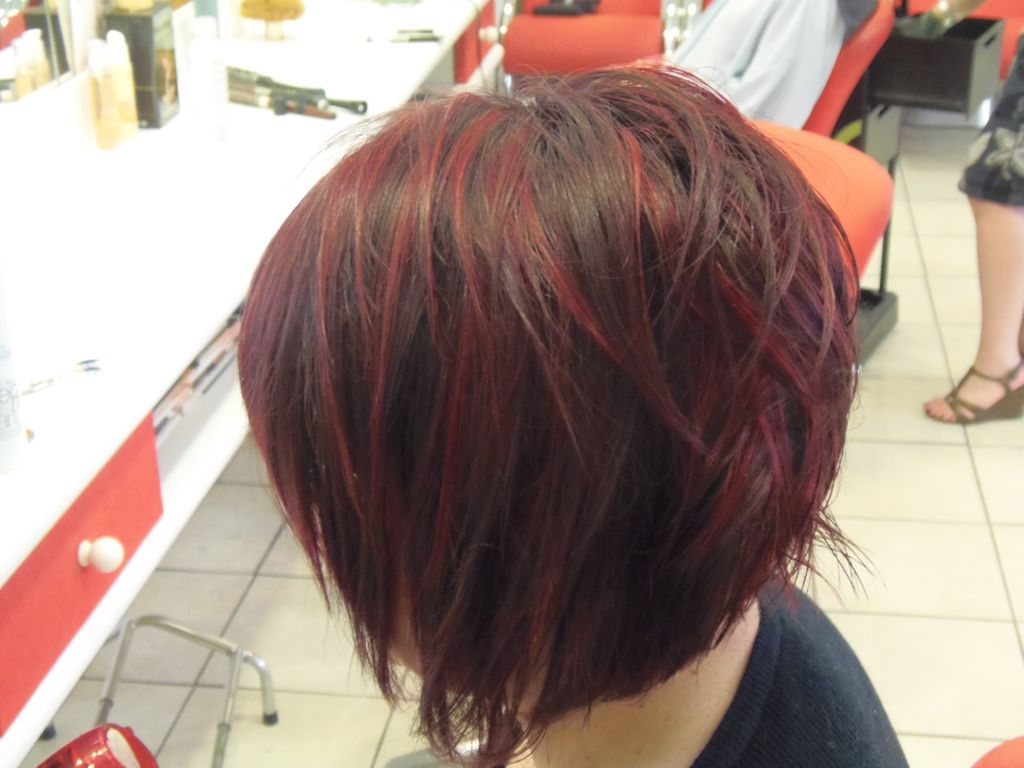 M ches rouge sur carr plongeant inspirations couleur pinterest m che rouge carr - Coupe carre plongeant avec meches ...