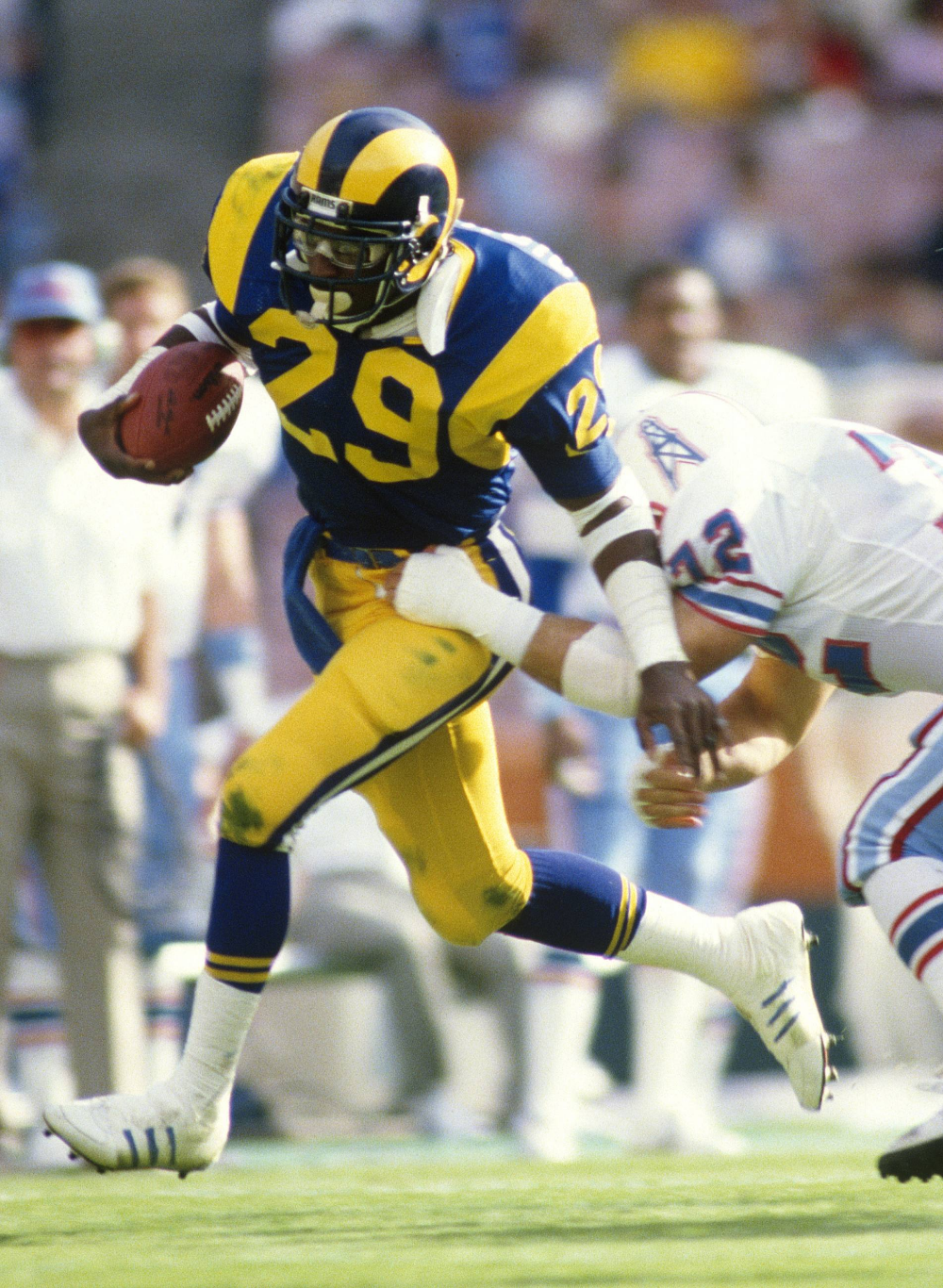The Top 10 Greatest Moments In Los Angeles Rams History Discover Los Angeles Eric Dickerson Nfl Football Players Football Images