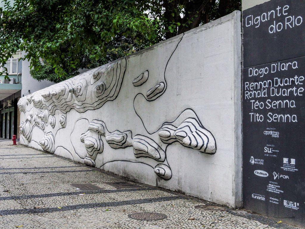 https://flic.kr/p/D8GDte | Um muro geográfico | Reparou que ele reproduz a geografia da Cidade Maravilhosa?  Visto no Centro da Cidade, Rio de Janeiro, Brasil. Tenham uma excelente semana!  ________________________________________________  A geographical wall  Have you noticed that it copy the geography of the Wonderful City?  Seen in Downtown, Rio de Janeiro, Brazil. Have a great week!  ________________________________________________  Buy my photos at / Compre minhas fotos na Getty Images…