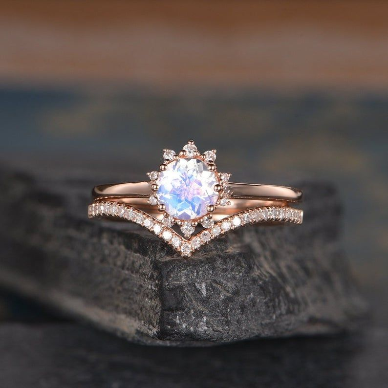 11+ Vintage rose gold curved wedding band ideas in 2021