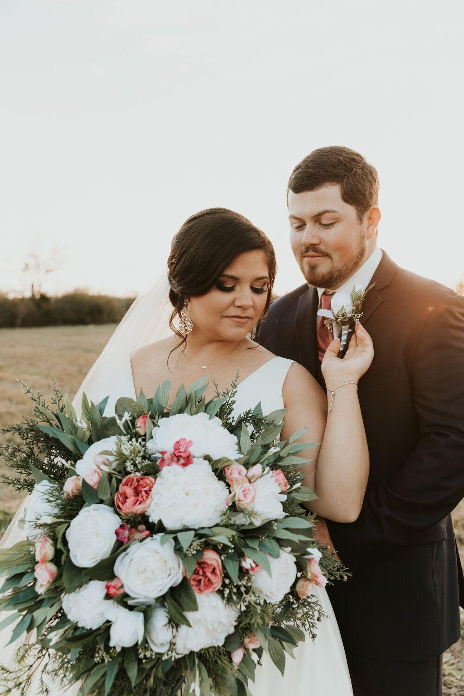 A January Wedding Tharp Visuals In 2020 January Wedding Wedding Wedding Photos