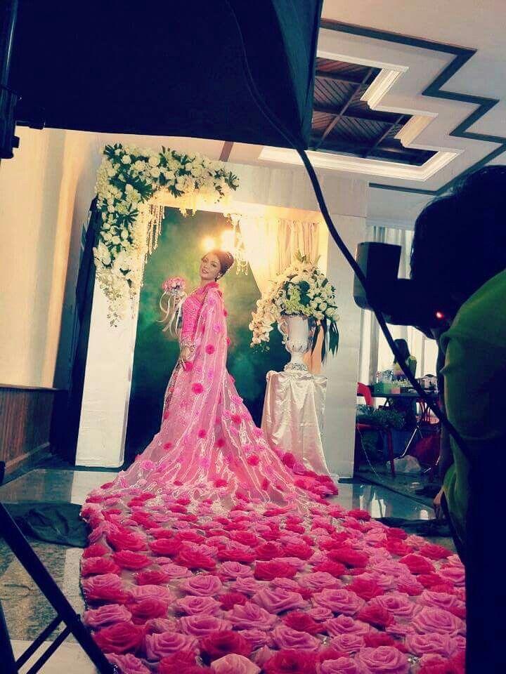 Rose Myanmar wedding dress