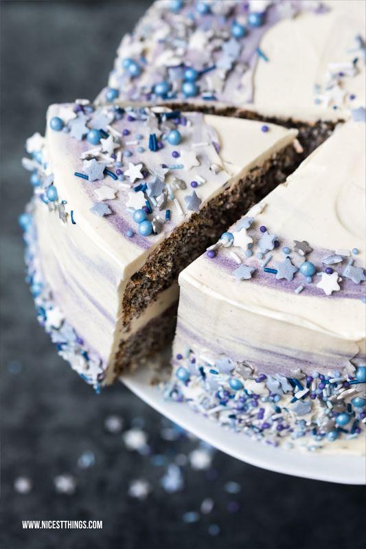 Galaxy Torte Rezept Mit Mohn Weisser Schokolade Und Pflaume Essen