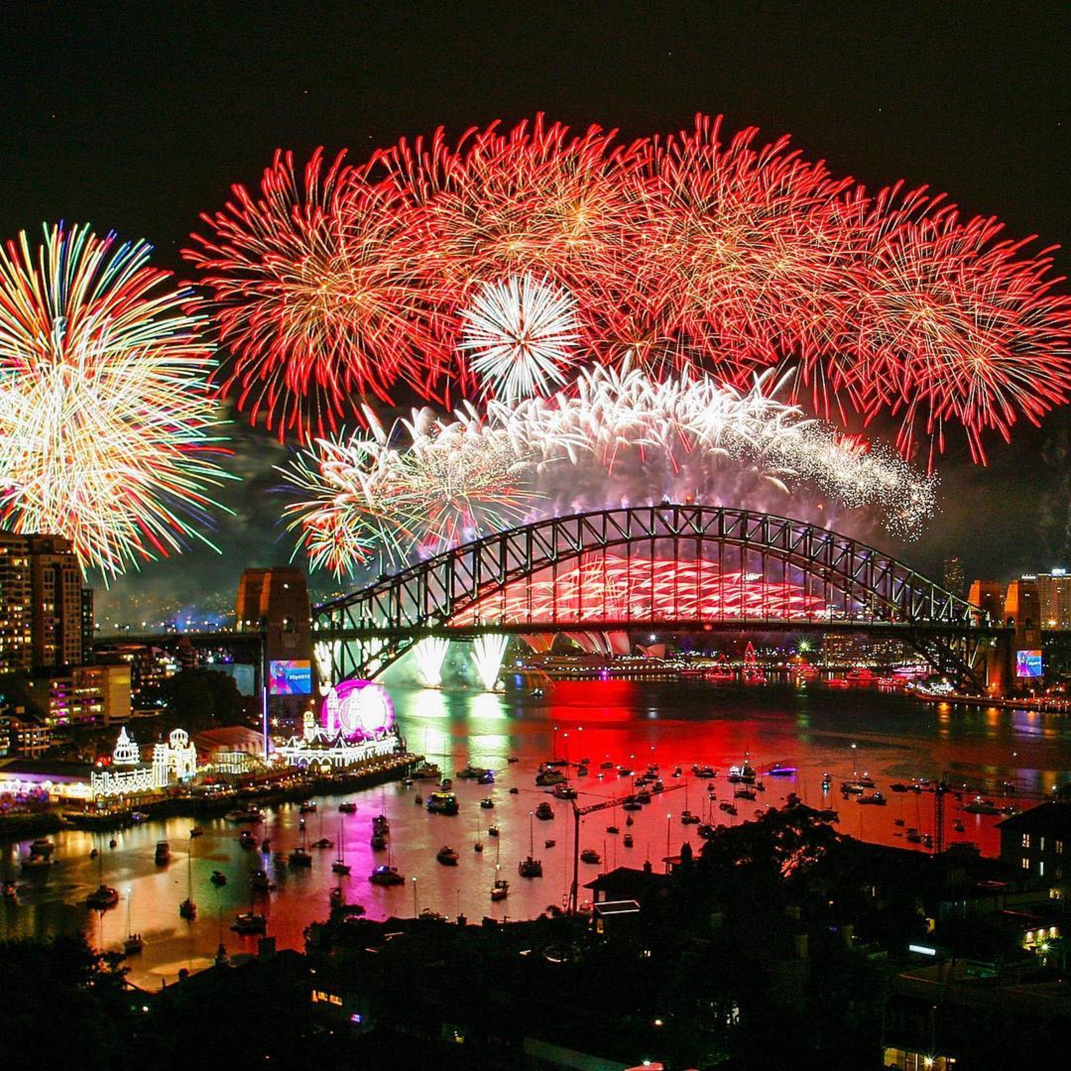 New Year fireworks around the globe. One of the early