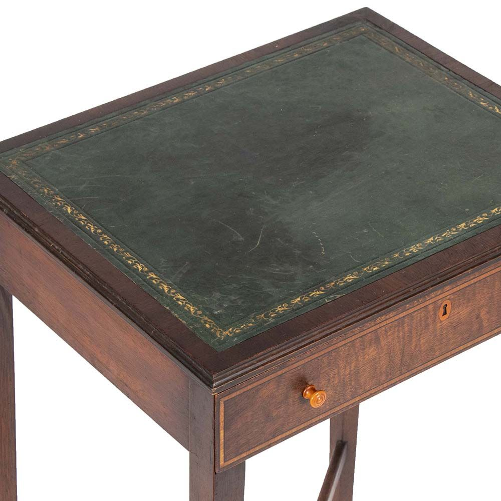 Made In Grand Rapids Michigan By Fine Art Furniture Company This Art Deco End Table Has A Dark Finish With Inset Leather Top The Art Furniture Art Deco Deco