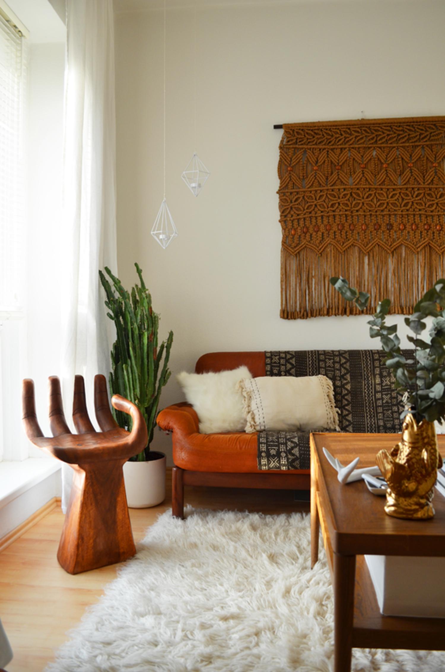 Earthy Living Room Decor: Jenny's MCC Meets Scandi Bohemian In Berlin
