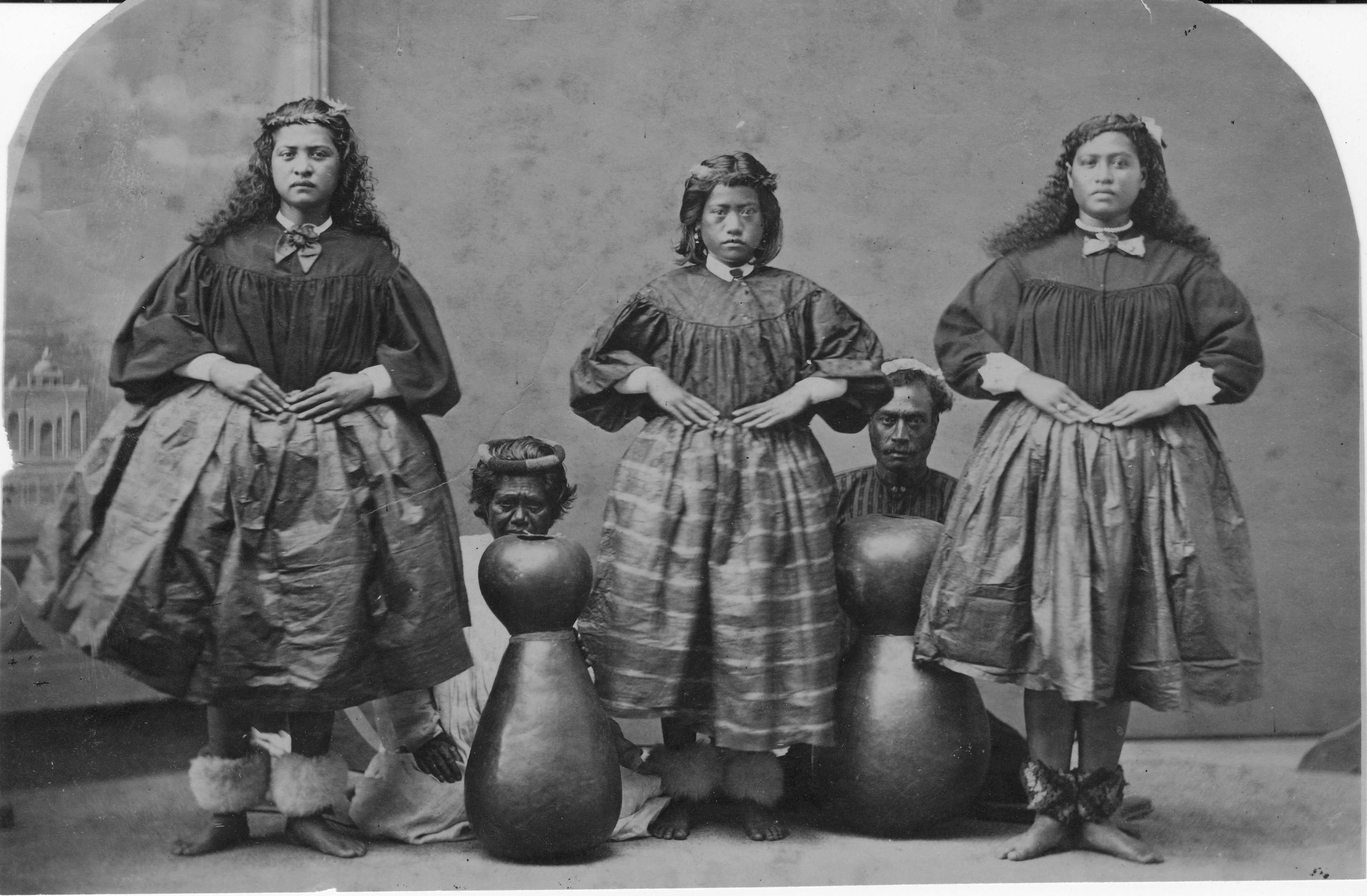 images of hula dancers (With images) | Hawaiian history
