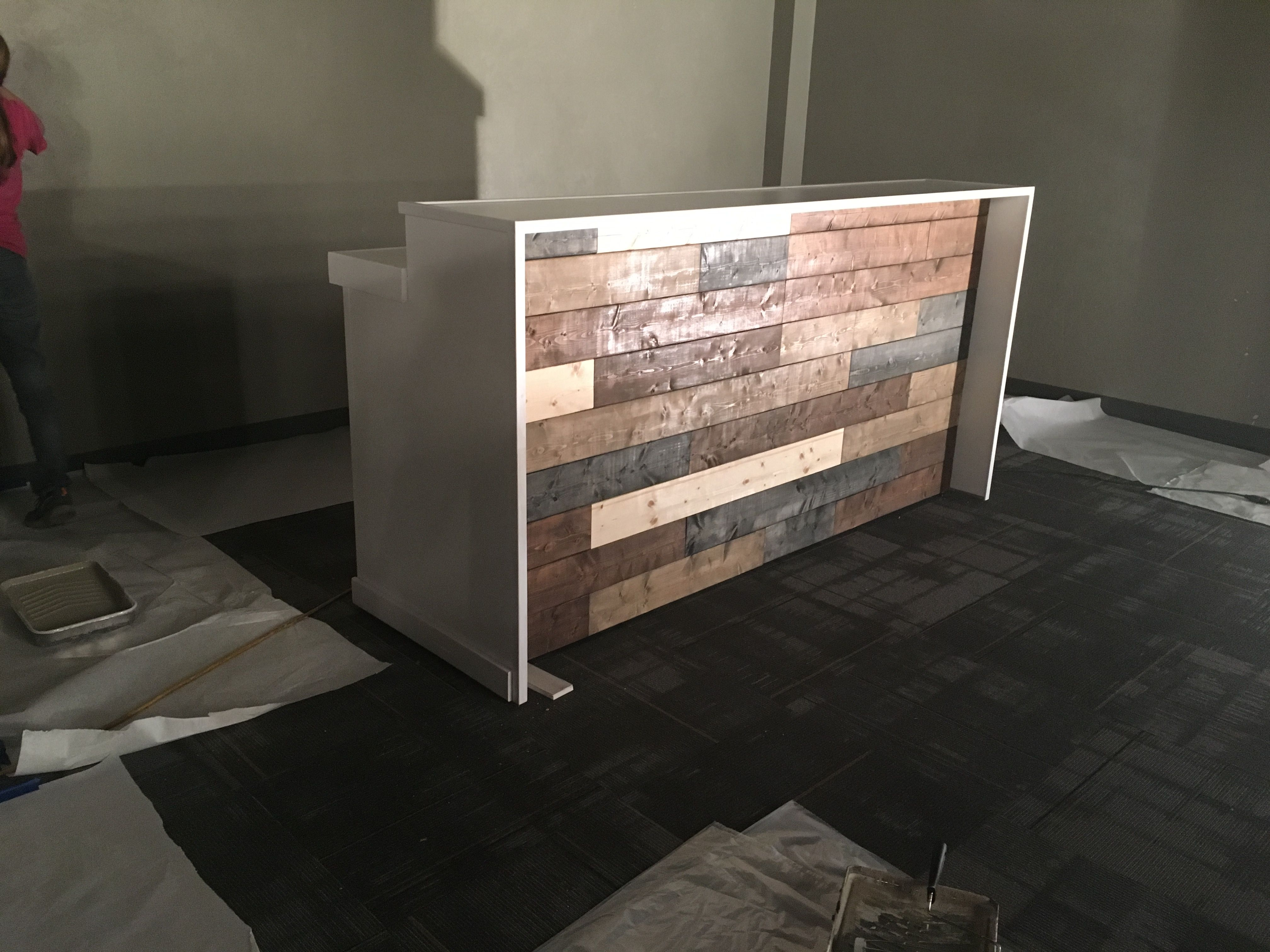 The Anthem Rustic Pallet Wall Look Two Level Reception Desk S Counter Or Bar