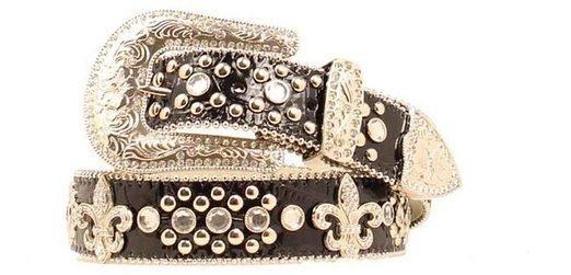 This great Blazin Roxx belt has a black print. Belt features fleur de lis conchos as well as large rhinestones. It also has ball chain edging that completes this un