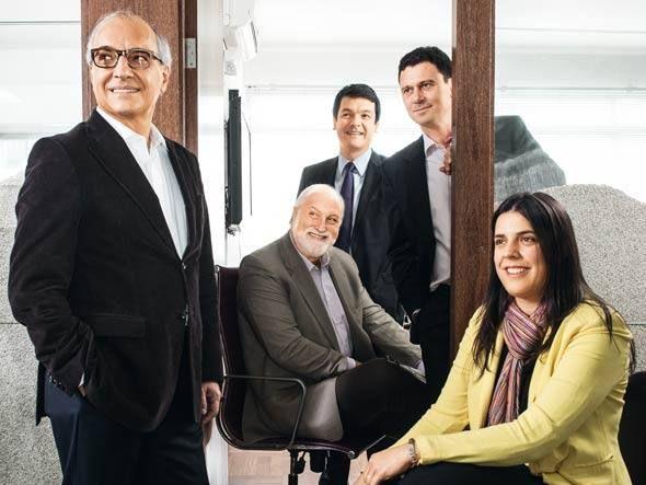 Guilherme Leal (à Esq.) com participantes de sua rede por Germano Lüders