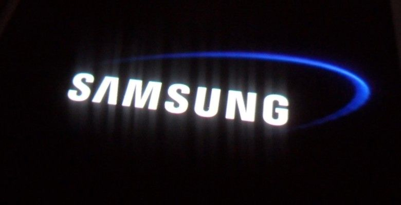 Samsung Electronics warns of difficult 2016 as smartphone market peaks