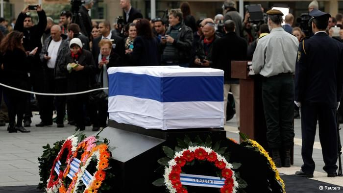 Ariel Sharon burial service at family ranch in Negev desert