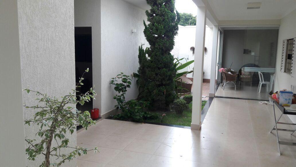 7fd60bba7be5d Casa à venda com 4 Quartos, Alto Umuarama, Uberlândia - R$ 800.000 ...