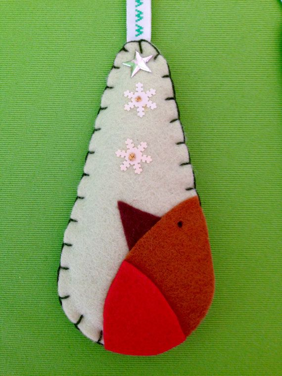 felt christmas decoration robin teardrop bauble handmade by the felt fairy