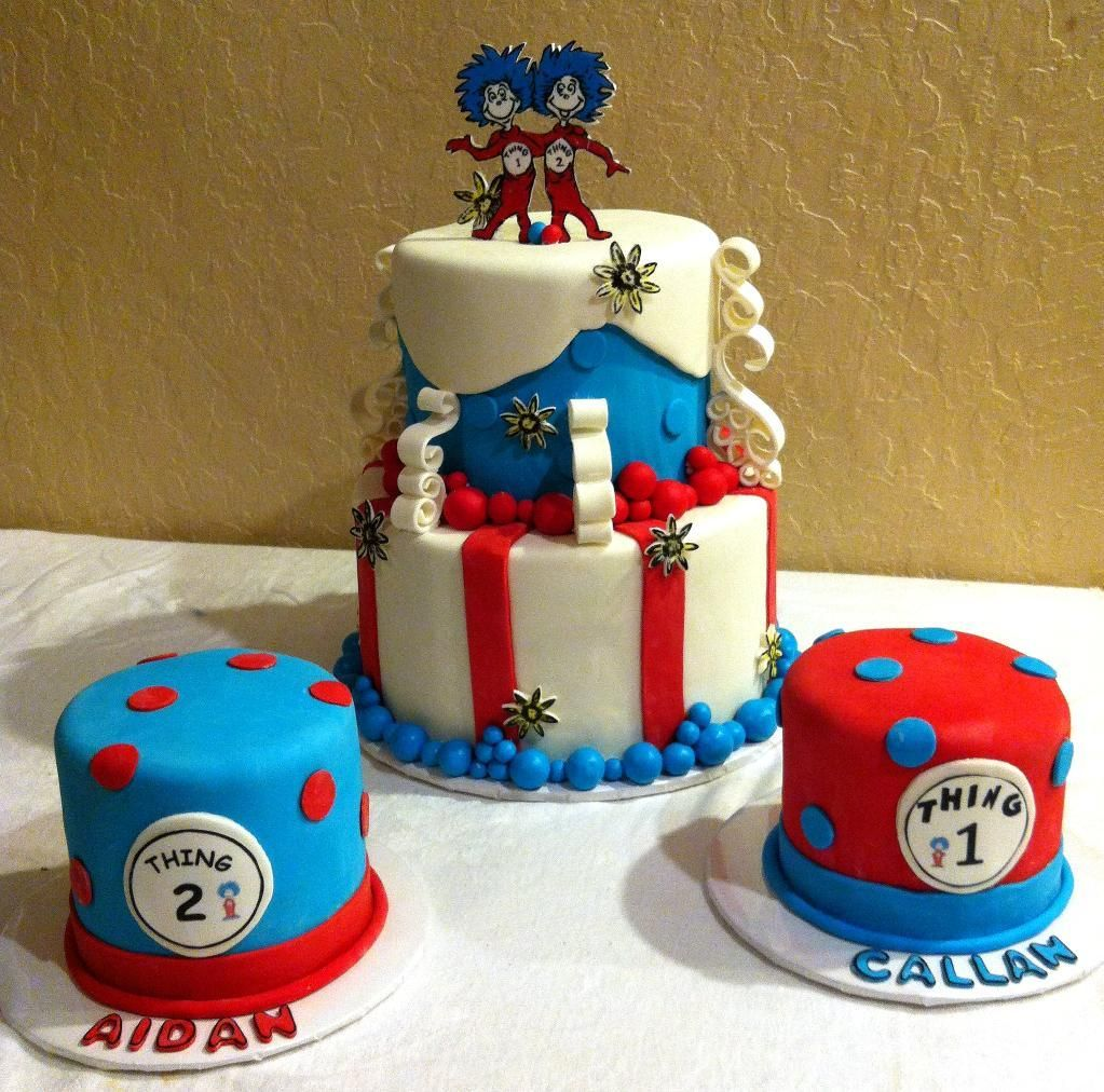 Thing 1 And 2 Cake With Images Twin Birthday Cakes Seuss