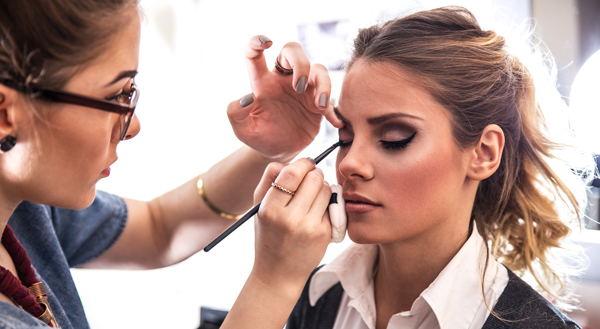 Best Cosmetology Classes for Hair Stylist Courses in Los