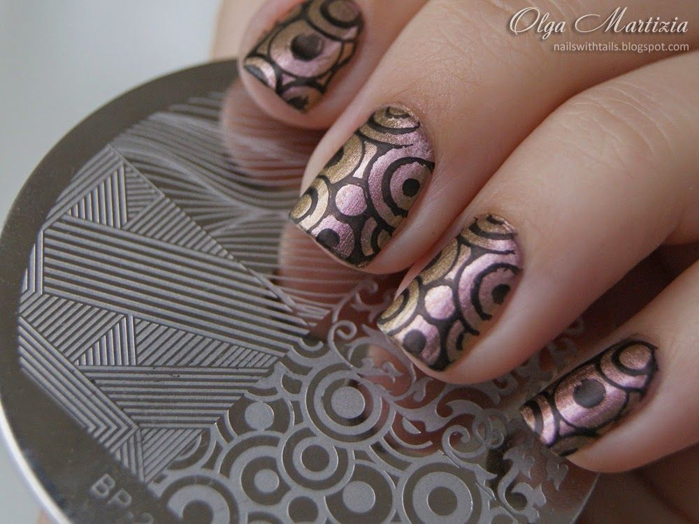 Shimmer Circle Stamping Nails: http://nailswithtails.blogspot.com/2015/01/mag-200-bornprettystore-plate-21.html