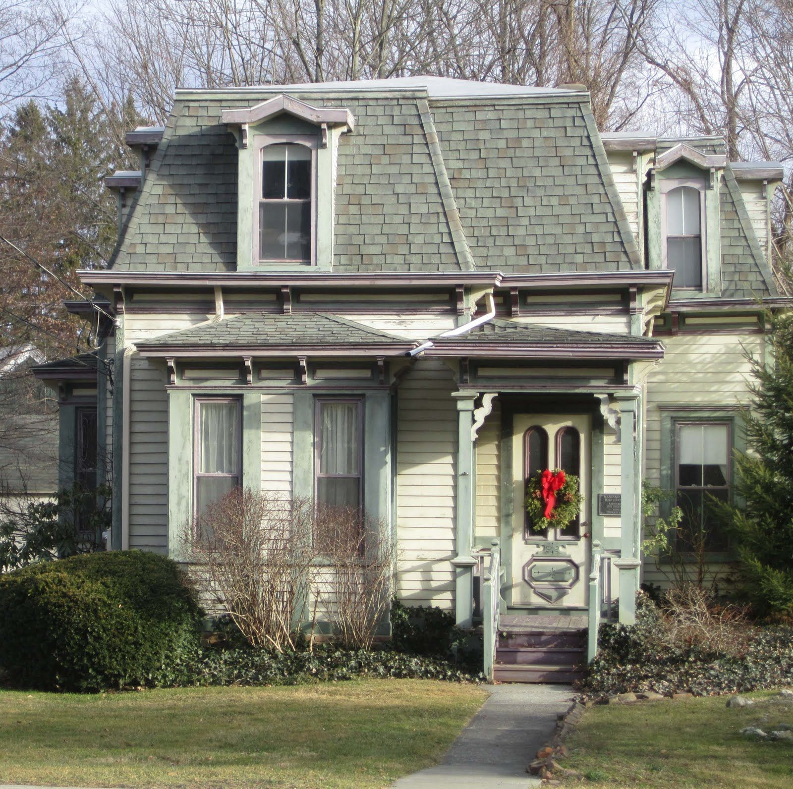 Small Simple Italianate House Google Search Victorian Homes Fancy Houses Old Victorian Homes