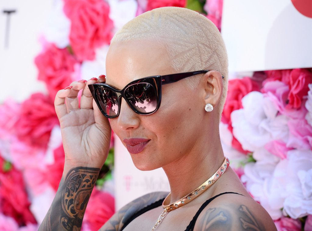 Amber Rose Uses What to Get Rid of Stretch Marks? (With