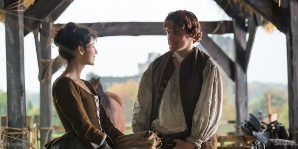 Watch the @PeoplesChoice Awards at 9p to support #Outlanders nomination! You may spot @samheughan & @caitrionambalfe