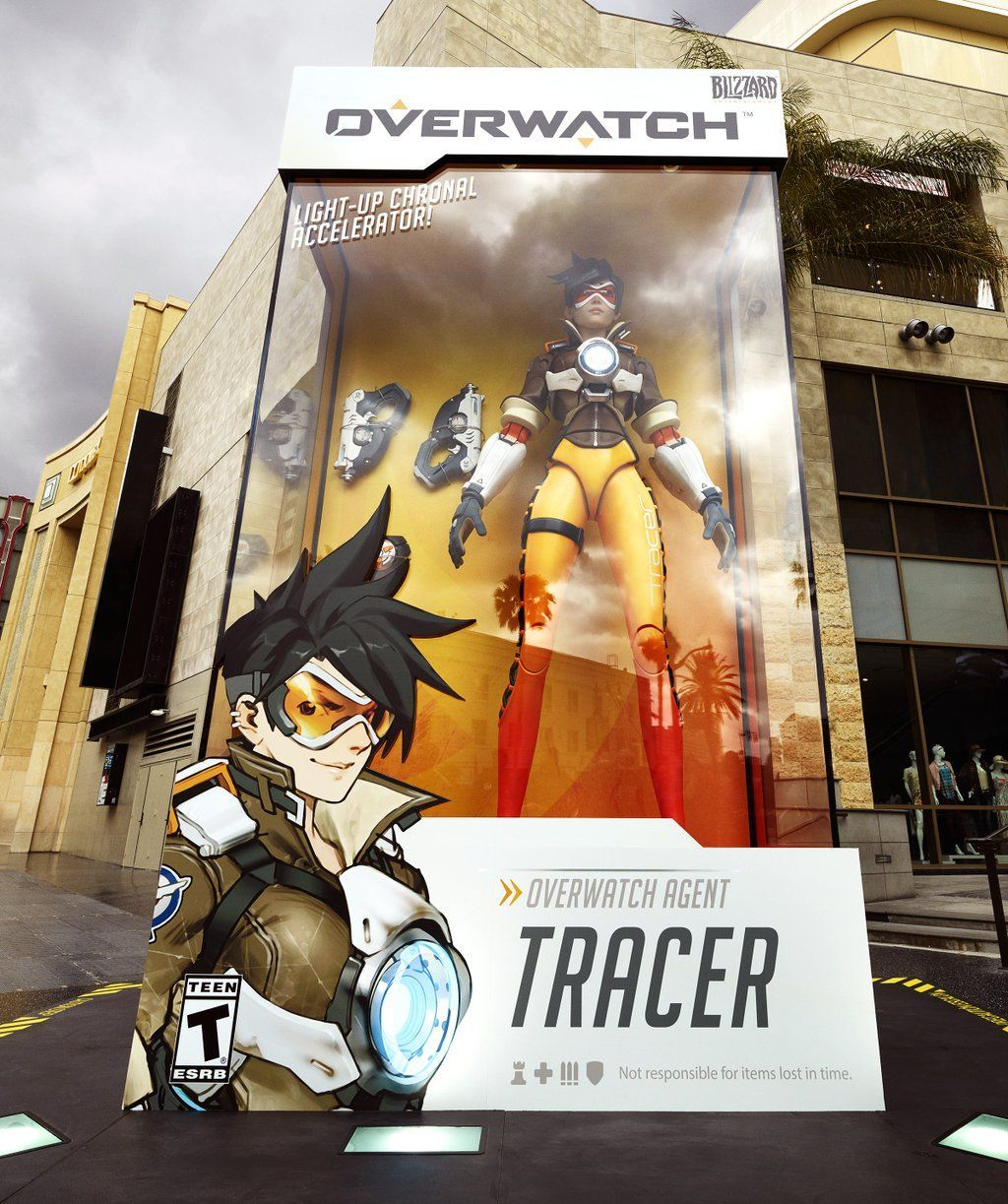 Life size Overwatch Tracer figure | Video Games | Pinterest ...