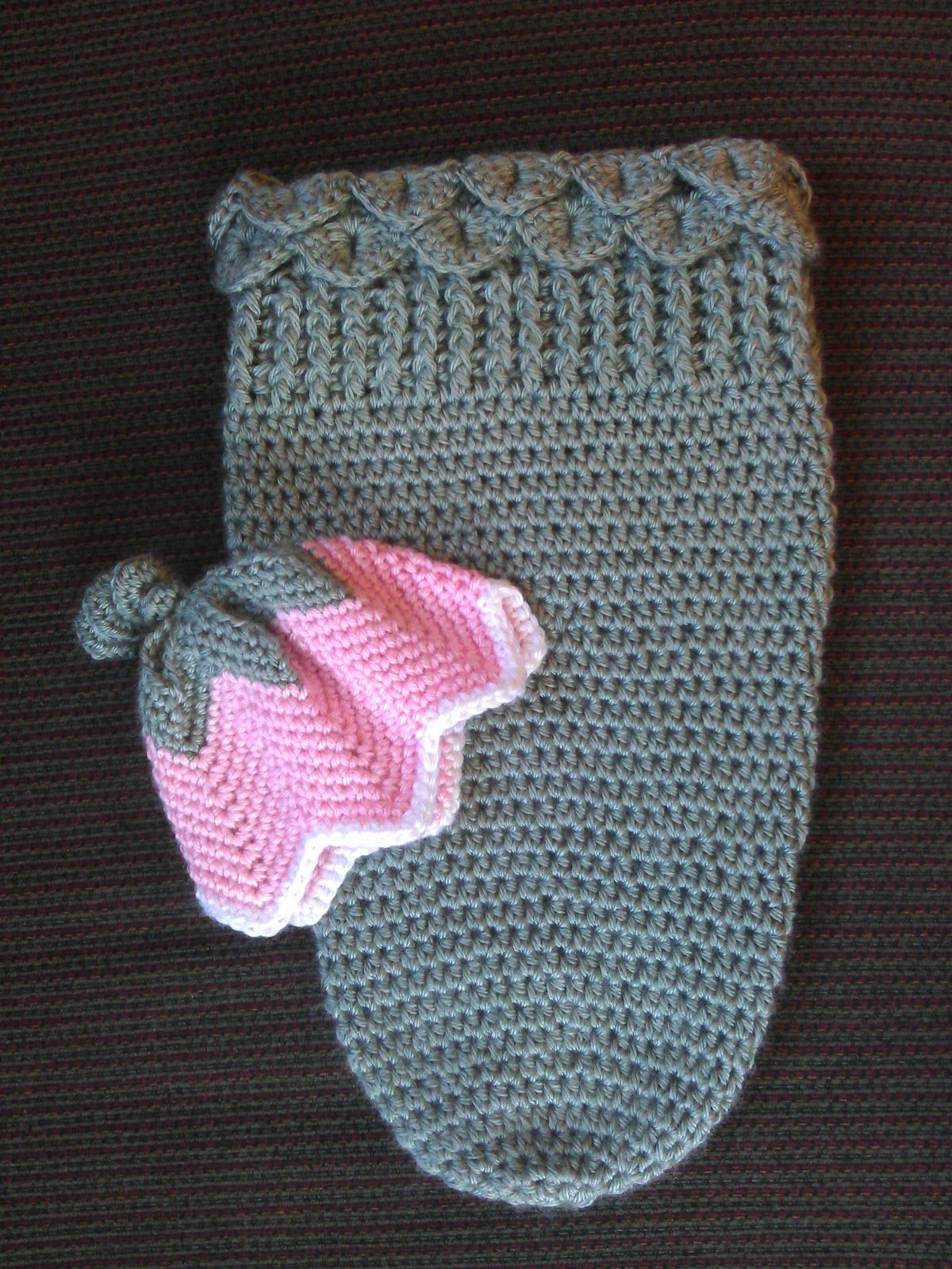 Free Pattern. Tiny Pushes: Tulip Hat and Cocoon, link to hat pattern ...