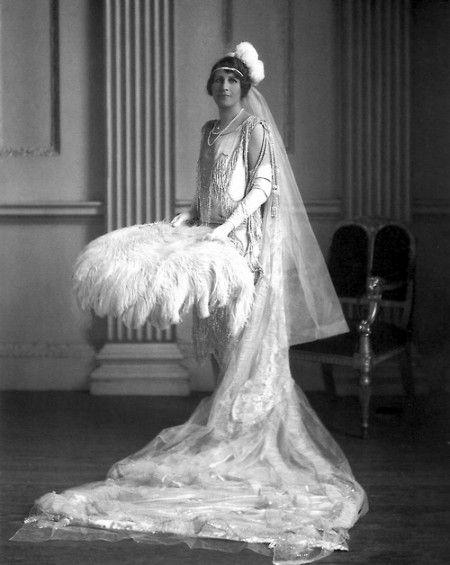 1920's Wedding, Lady Blades, 1927. Photo by Lafayette Photo Studios