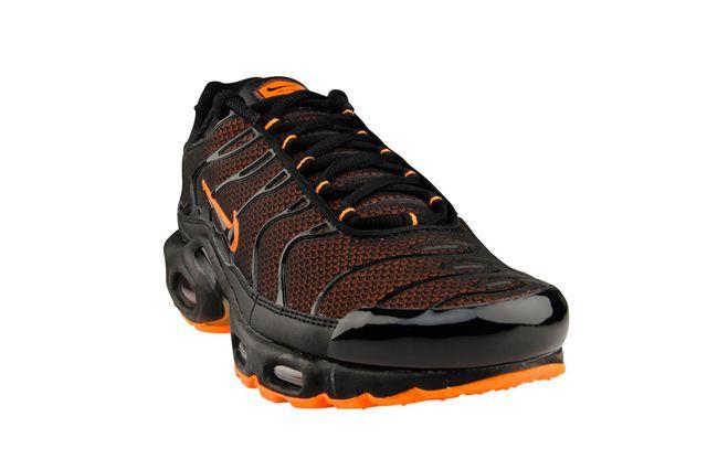 4f1d99bf8e NIKE AIR MAX PLUS (TOTAL ORANGE)   Sneaker Freaker   My Style ...