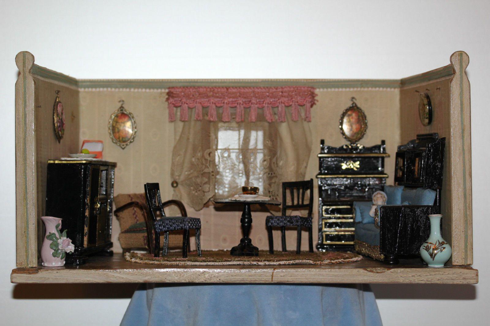 Charmante alte, kleine Puppenstube/Wohnzimmer/Salon, orig.Tapete ...