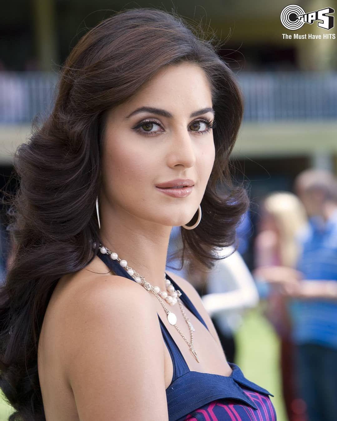 156 Likes 3 Comments Katrina Kaif Katrina Kaif Ka Deewana On Instagram Old Is Gold Katrinakaif Aktris Bollywood Produk Kecantikan Selebritas