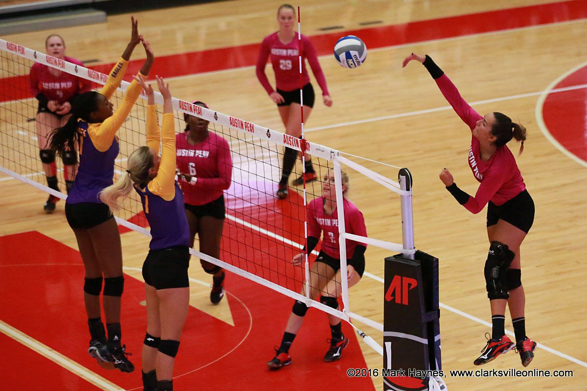 Christina White Leads Apsu Volleyball To Three Set Win Over Tennessee Tech With Images Volleyball Christina Tennessee