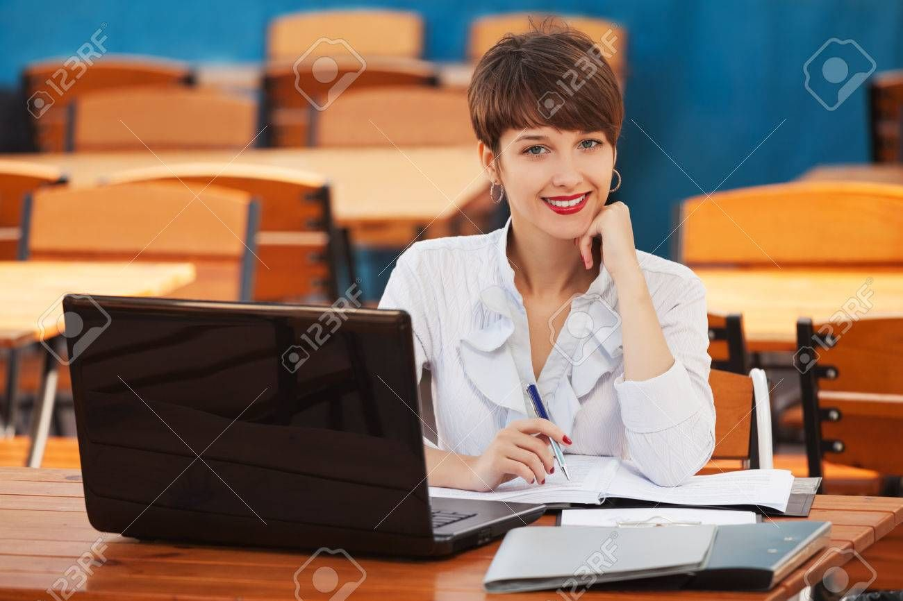 Young fashion business woman using laptop at sidewalk cafe , #Sponsored, #business, #fashion, #Young, #woman, #cafe