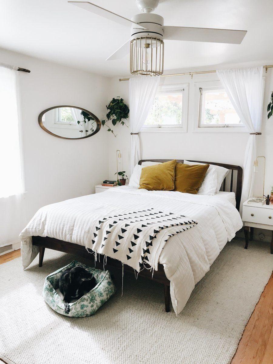 Culla Spindle Walnut Queen Bed Small Bedroom Bedroom Design