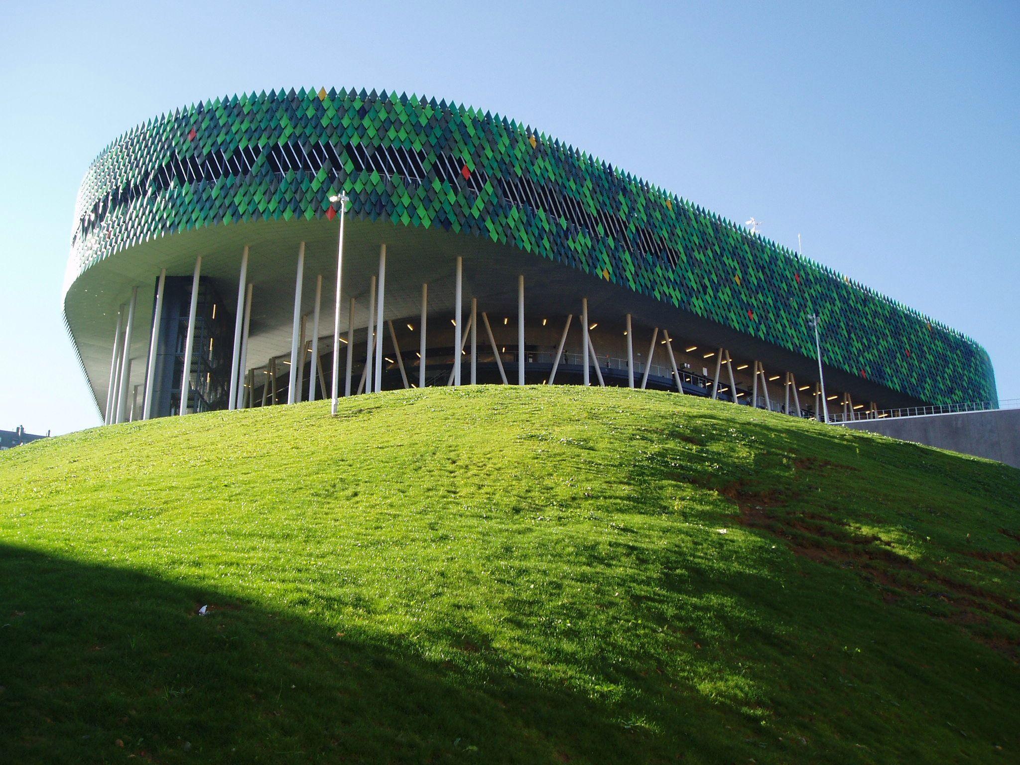 Imagen de http://upload.wikimedia.org/wikipedia/commons/5/50/Bilbao_Arena.jpg.