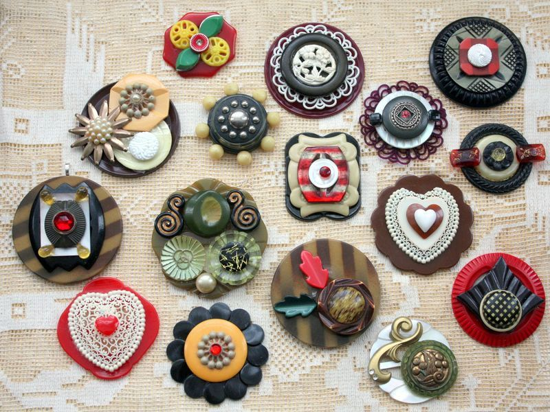 Button jewelry by Mitzi Curi of wwwmitzismiscellanycom Button