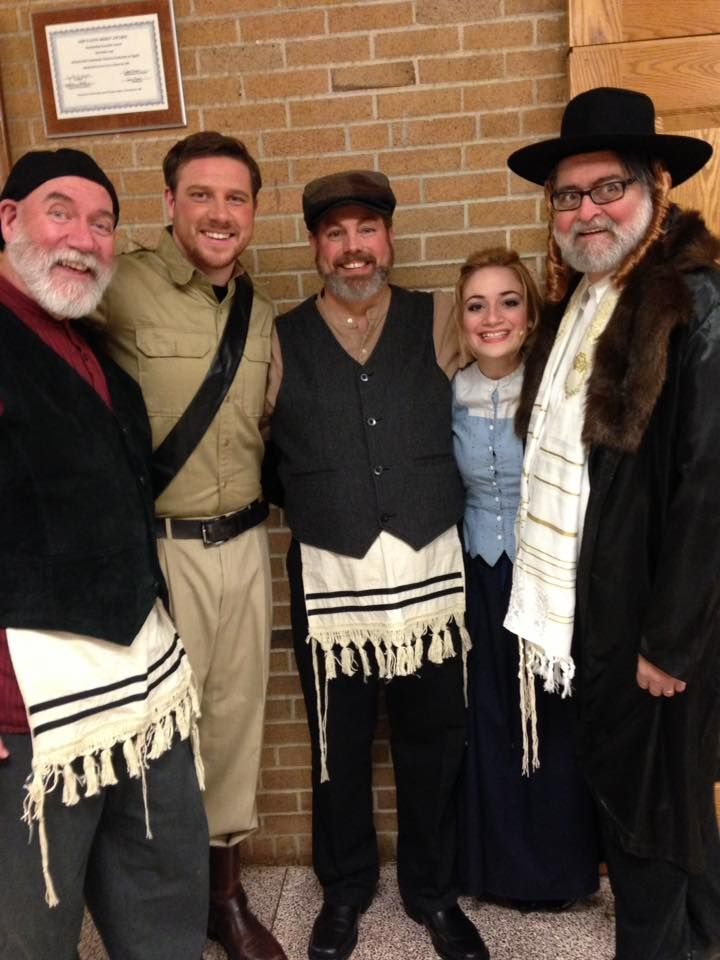 Lazar Wolfe Constable Papa Mordechi Hodel And Rabbi Hodel Fiddler On The Roof Fiddler Theatre Plays