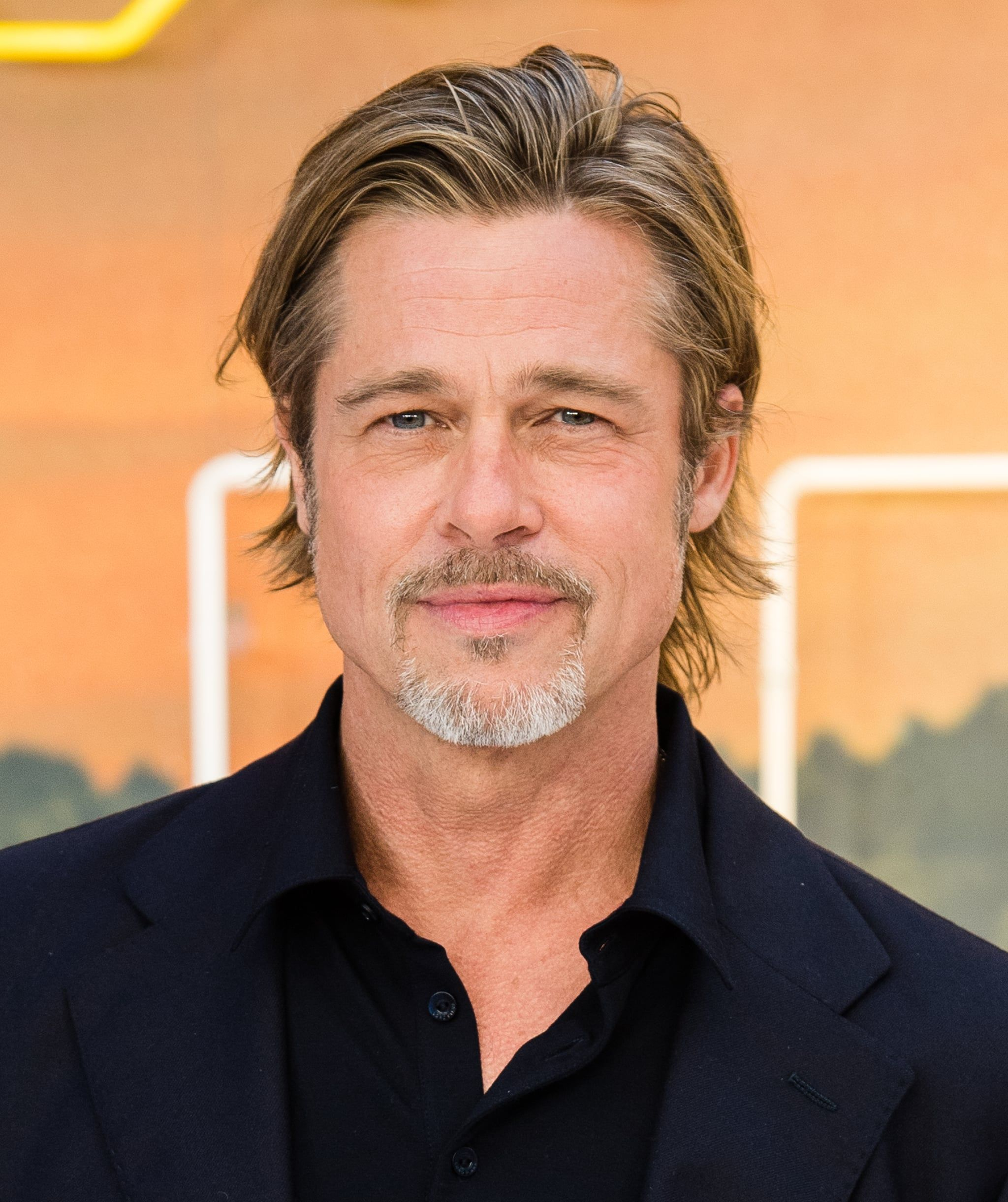 Brad Pitt Is Just Going To Be Gorgeous Forever Huh Brad Pitt Hair Brad Pitt Haircuts For Men