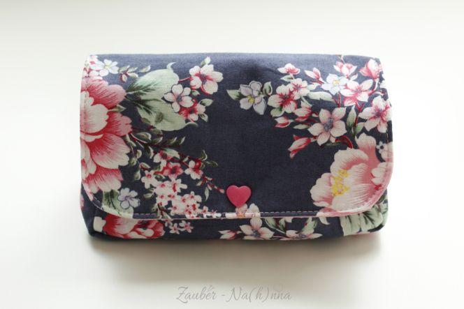 Freebook kleine Tasche /Kosmetiktasche mit Knopf nähen (kostenloses ...
