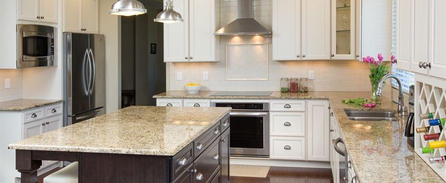 DiYanni Custom Homes > Portfolio > Kitchens