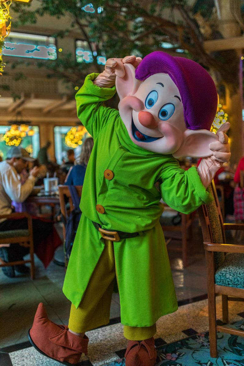 Disney World Character Dining Review Storybook Dining