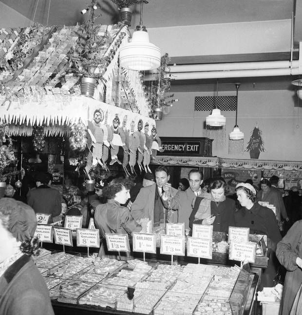 41f1cd71e54a What opulence  Christmas shopping at Selfridges in 1953 - London Evening  Standard