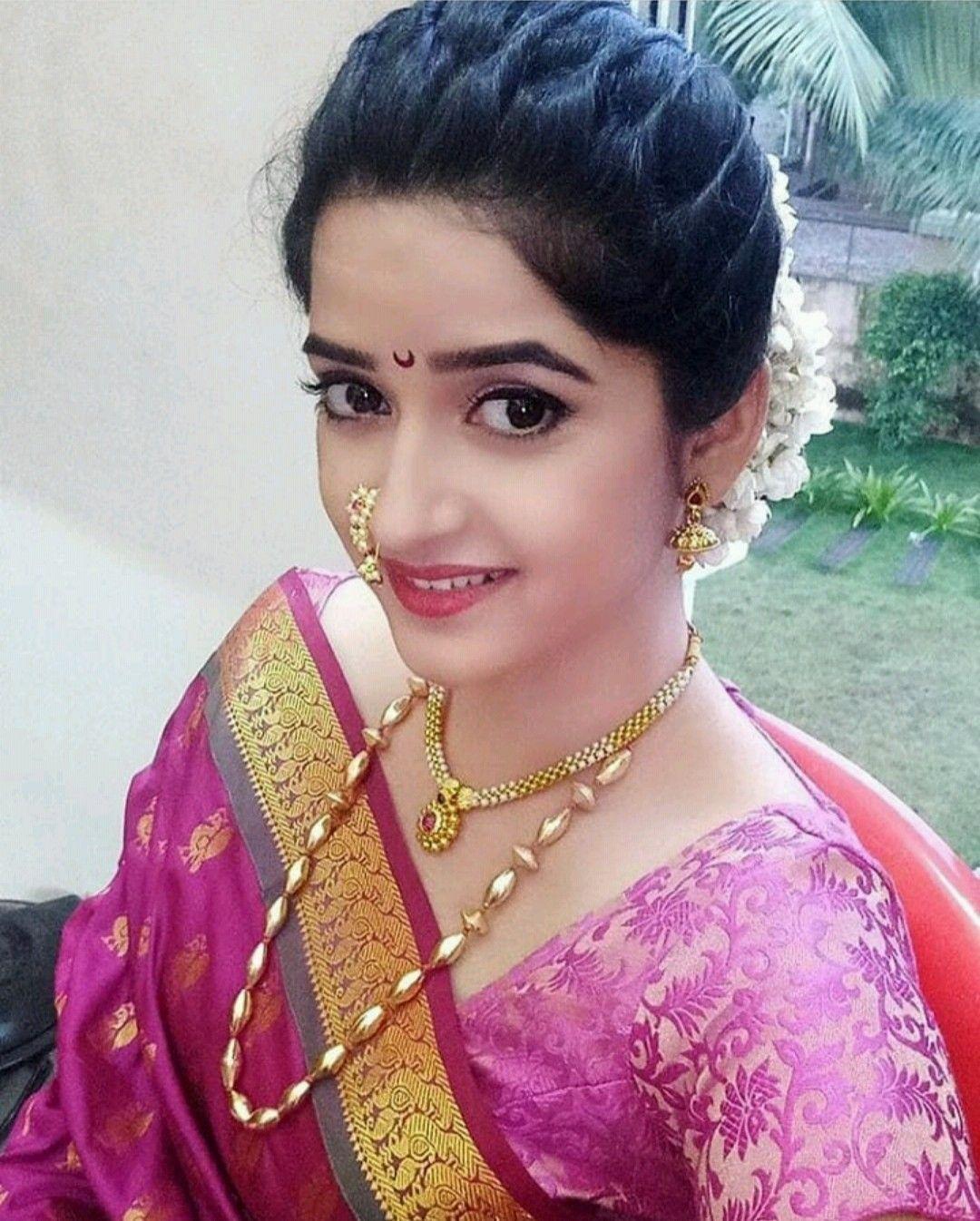 Maharashtrian Wedding Hairstyles For Medium Hair in 12  Wedding