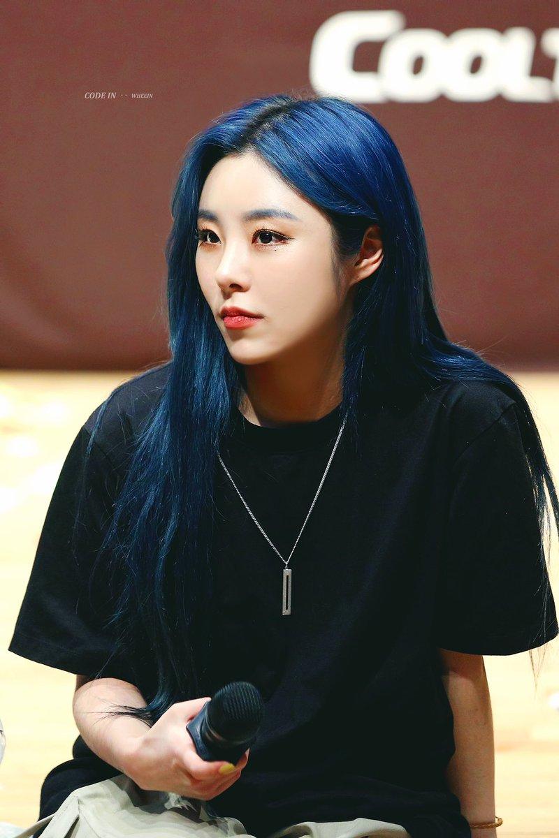 Code In On Twitter Wheein Mamamoo Blue Hair Kpop Hair Color