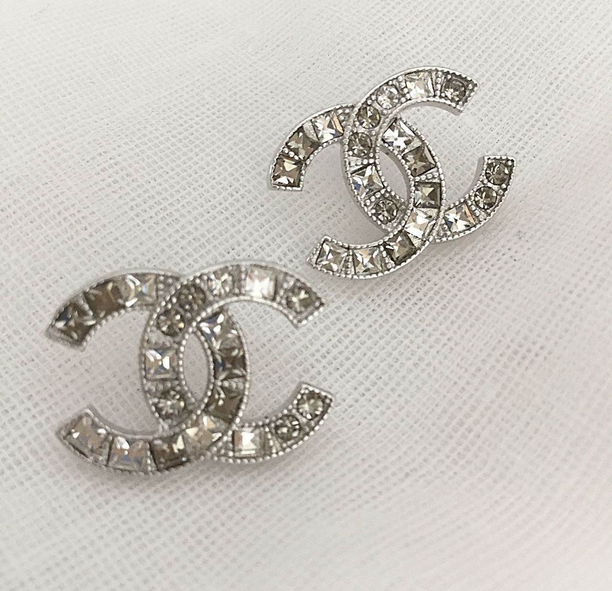 1b730e92ef59f GORGEOUS! #CHANEL Crystal Stud Earrings Classic Vintage Silver CC ...