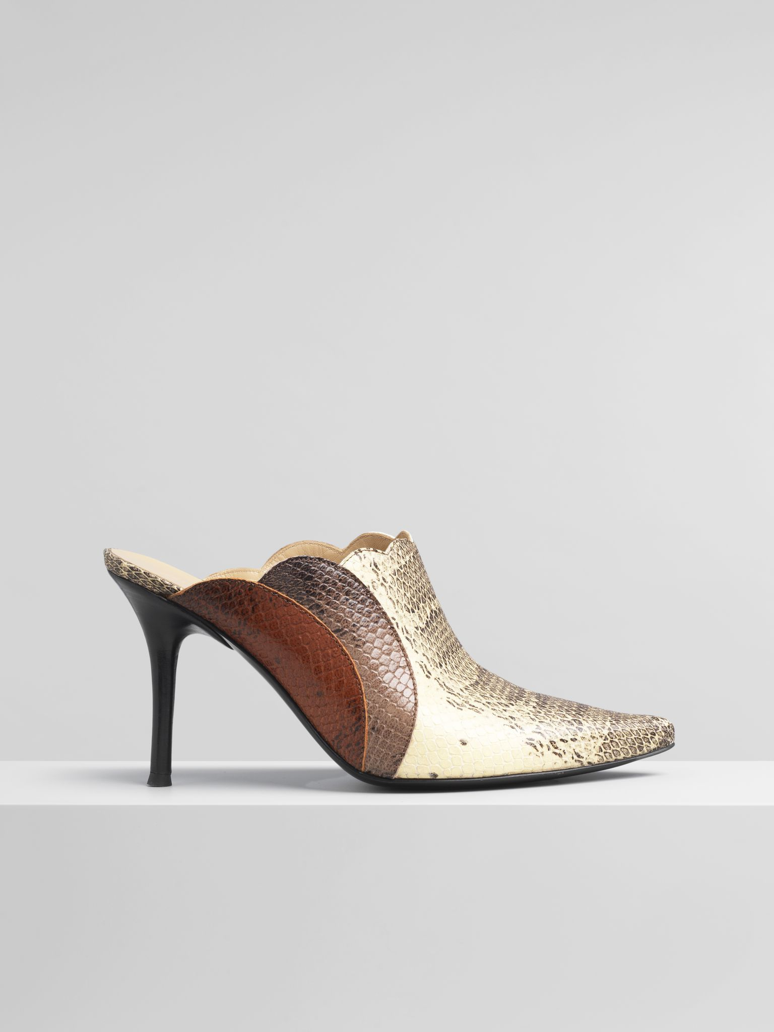 6a594a525 Pointy Lauren Mule | Shoes | Chloé United Kingdom ...