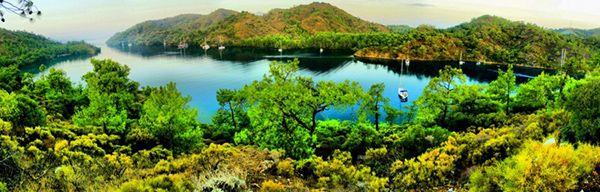 Datça ile Marmaris'i birbirinden ayıran, Datça Yarımadası'nın en ince noktasında bulunan Bencik Koyu nun tam ortasında kayalık olan Dişlice Adası yer almaktadır. #Maximiles #Turkey #Türkiye #deniz #plaj #denizmanzarası #gezilecekyerler #gidilecekyerler #koylar #plajlar #doğa #doğamanzarası #doğamanzaraları