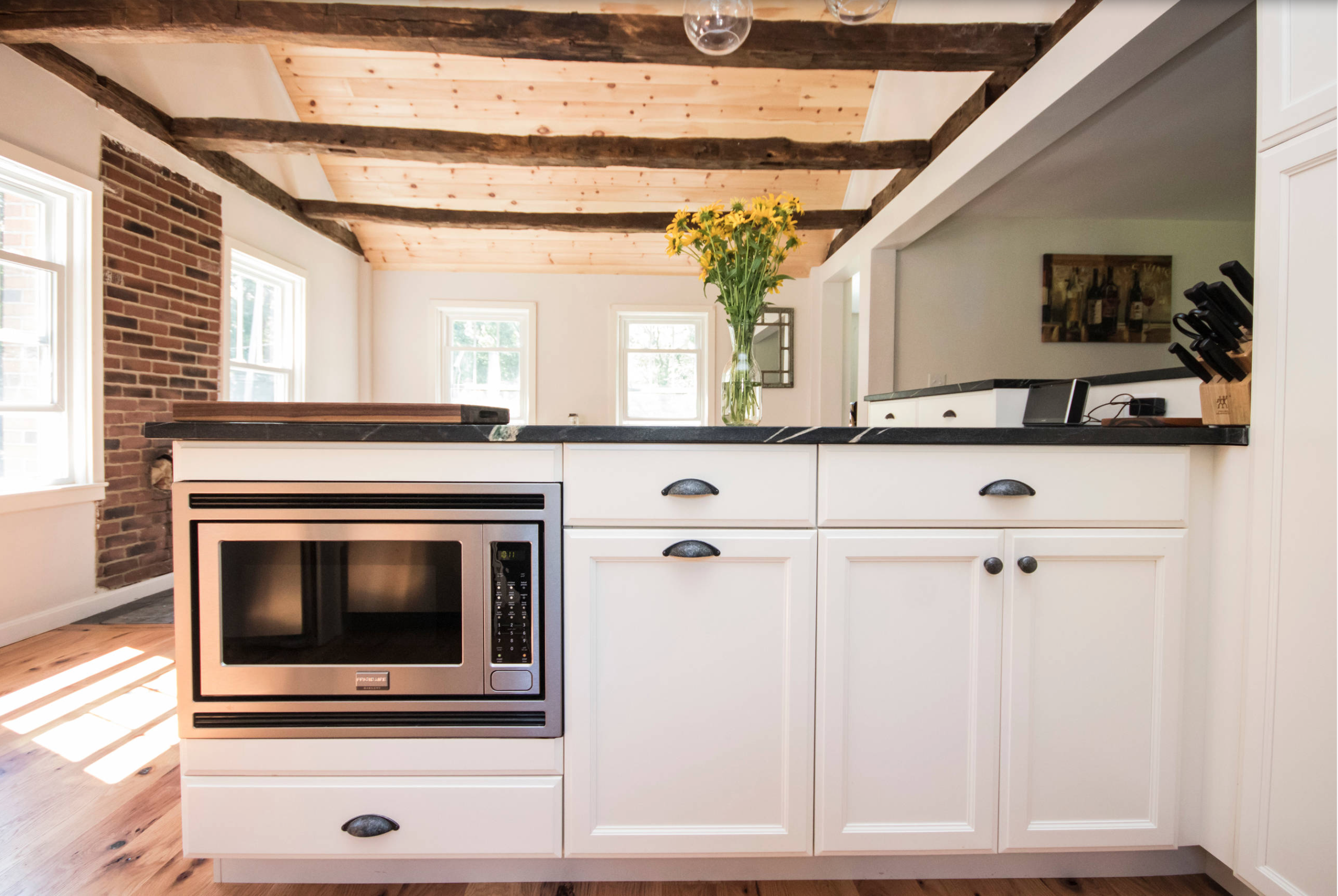 Beautiful Rustic Kitchen Remodel Featuring Canyon Creek Cabinet Company  Katana Maple Cabinets In An Icing Finish