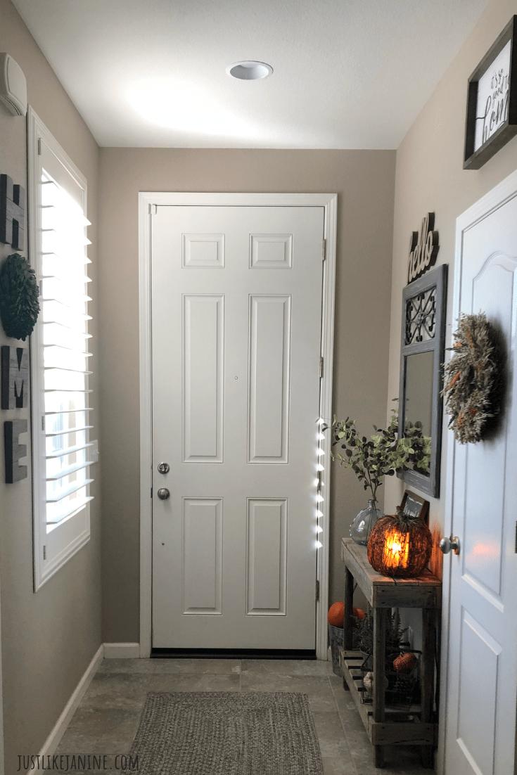 apartment front door decor