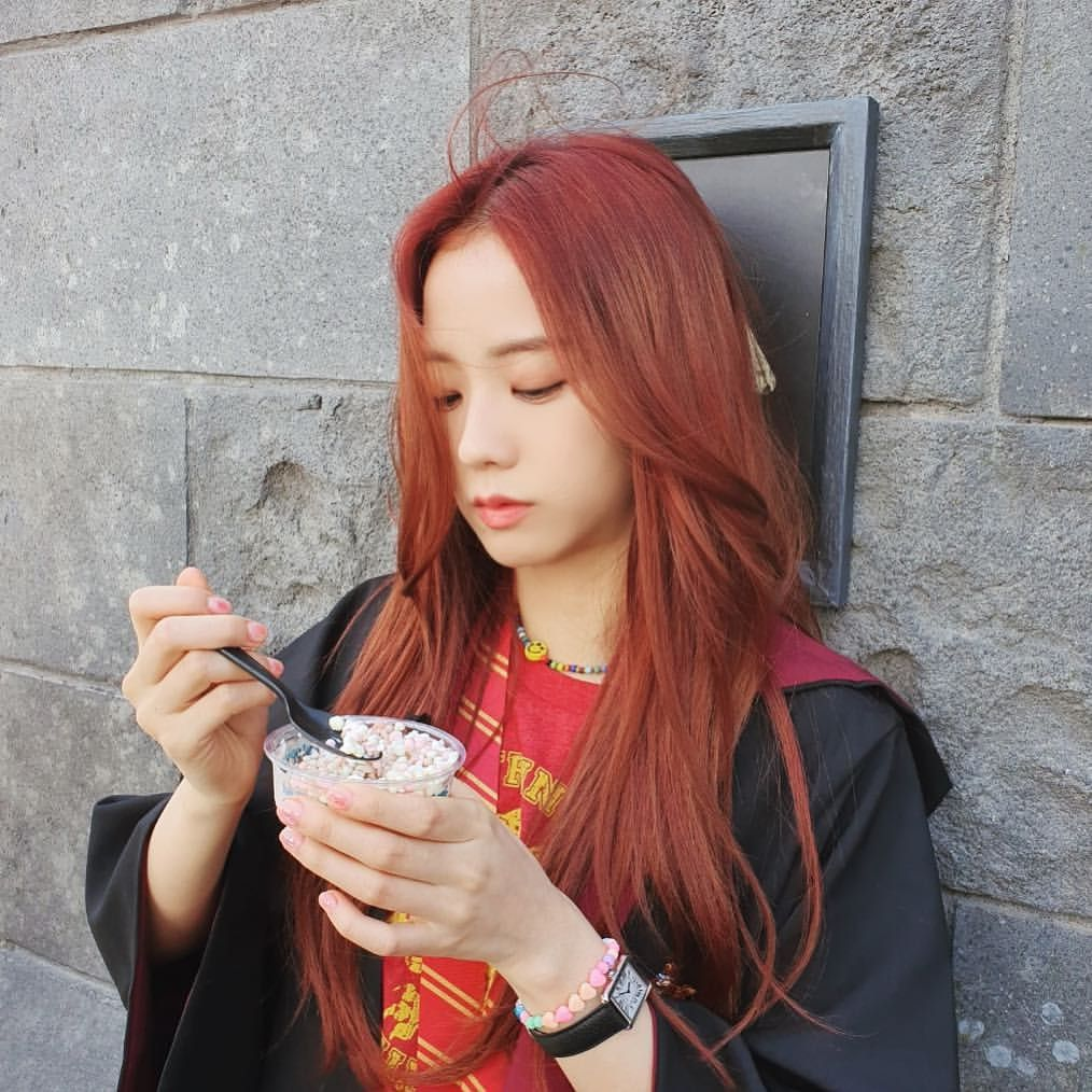Pin By Rose Abu On Selca Photos In 2020 Hair Color Asian Hair Color Auburn Redish Brown Hair
