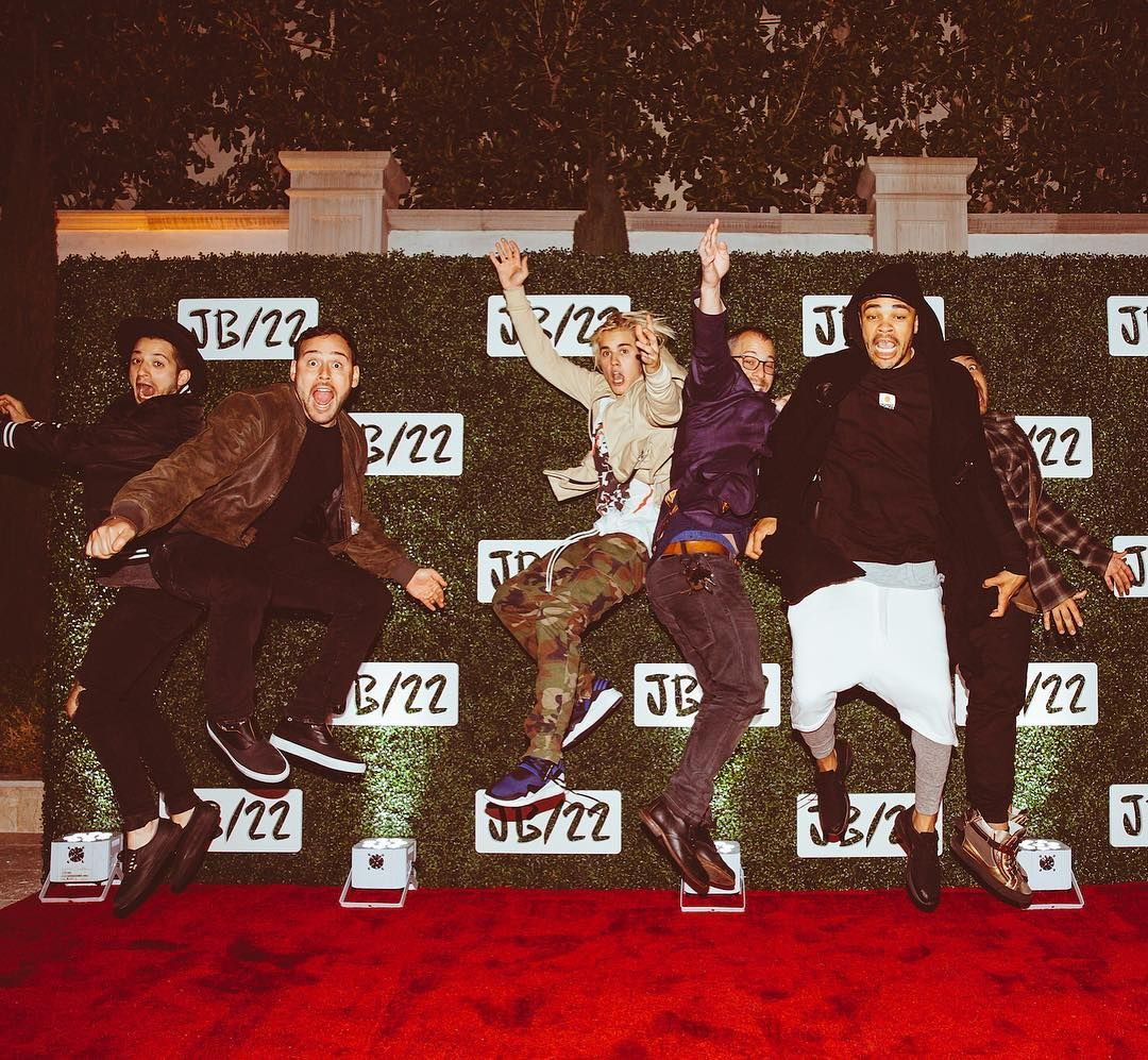 """Squad going ⬆ JB22"""" Justin Bieber♡"""